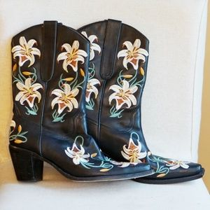 Sam Edelman Rare Black Floral Embroidered Boots